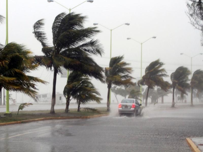 huracanes playa del carmen