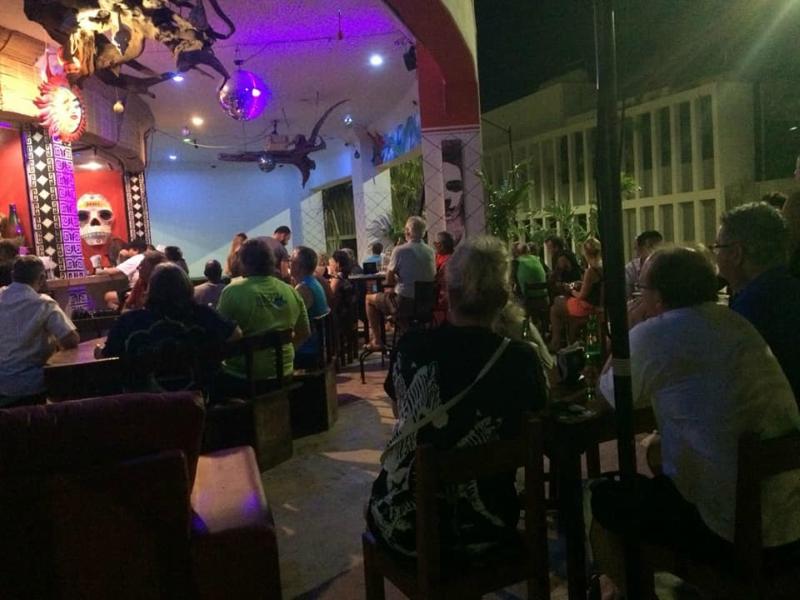 Bares en playa del carmen Mexican Caribe Bar&Grill