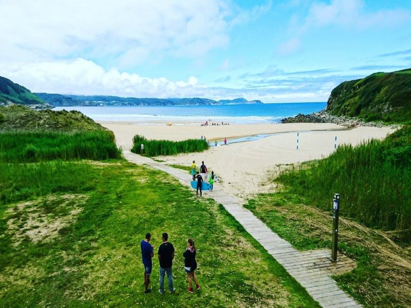 Playas cerca de la Playa de las Catedrales esteiro