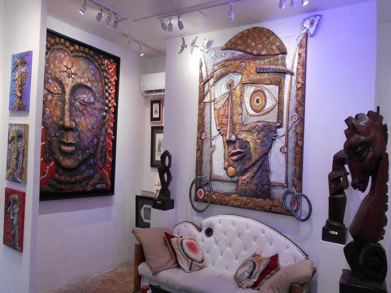 Lugares donde ir de Compras en Quinta Avenida Gastón Charó Gallery
