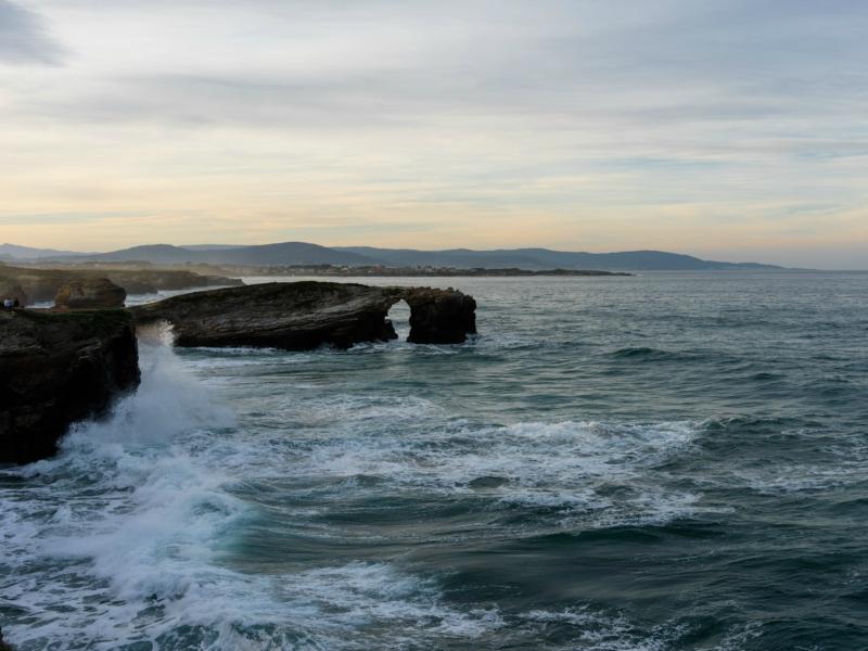Playa de las Catedrales mareas marea alta