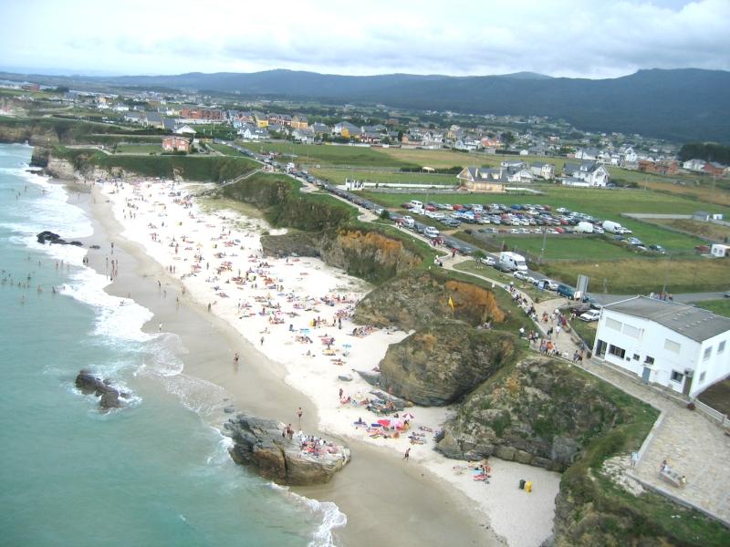 Playas cerca de la Playa de las Catedrales de longara