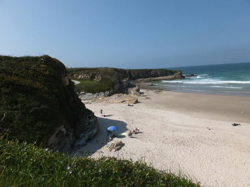 Playas cerca de la Playa de las Catedrales de los Xuncos