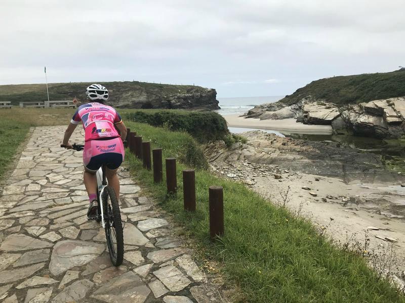 bicicleta Playa de las Catedrales ribadeo
