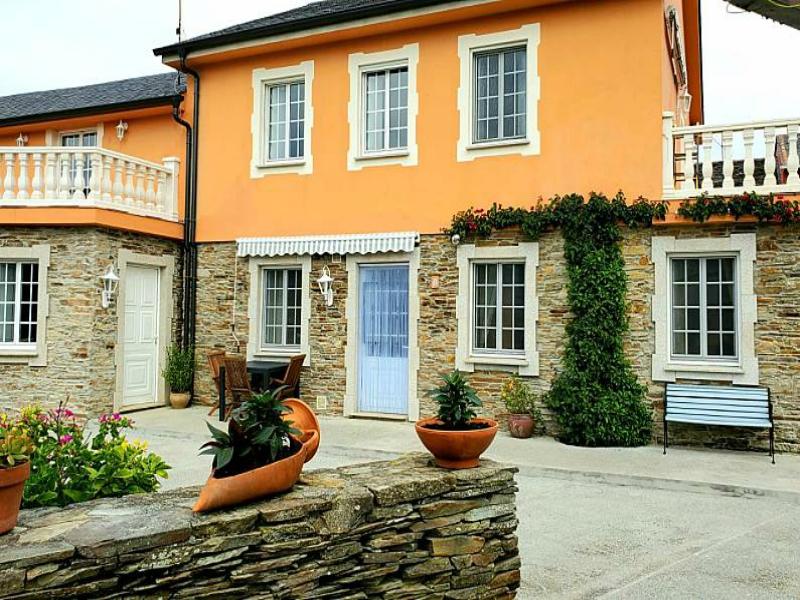 casa rural cerca Playa de las Catedrales apartamentos rosa