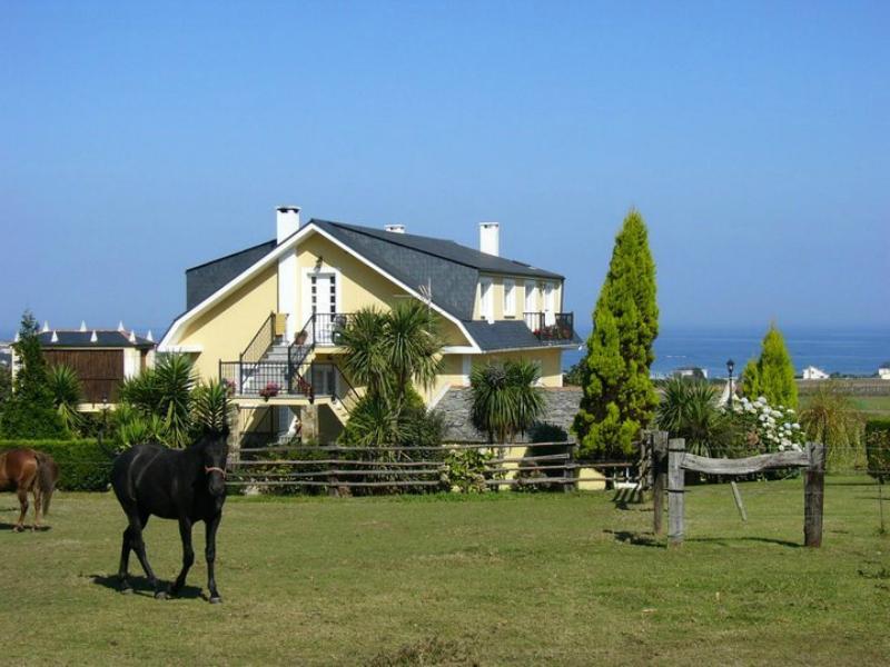 casa rural cerca Playa de las Catedrales casa guillermo