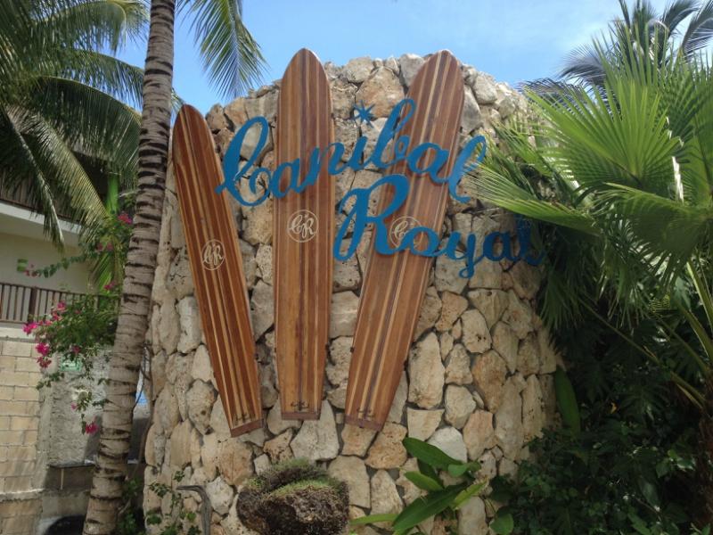 club de playa en playa del carmen canibal royal