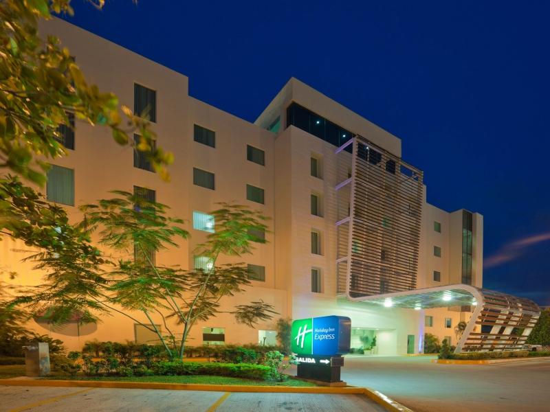 hoteles en Playa del Carmen holiday inn express