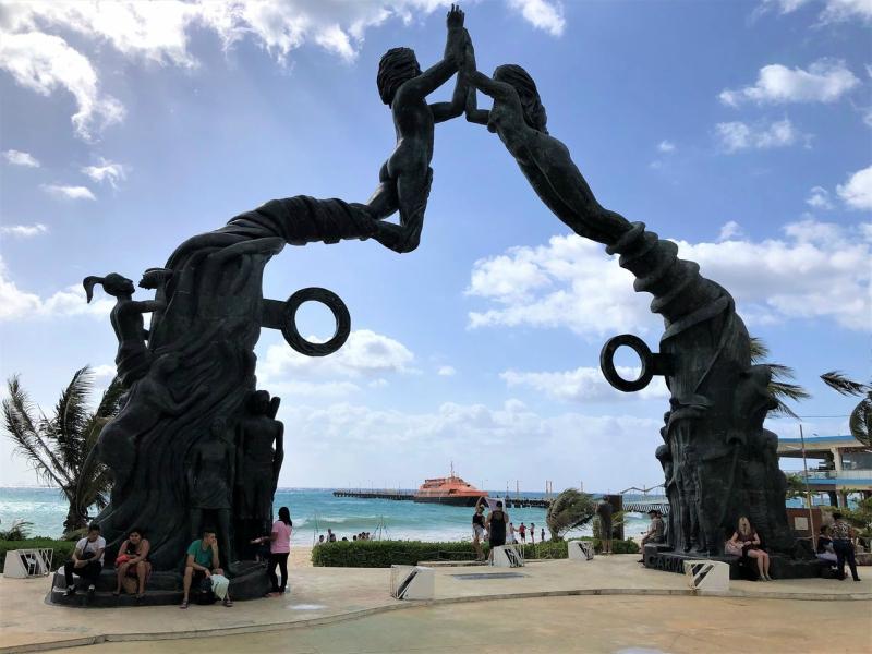 parques en playa del carmen los fundadores