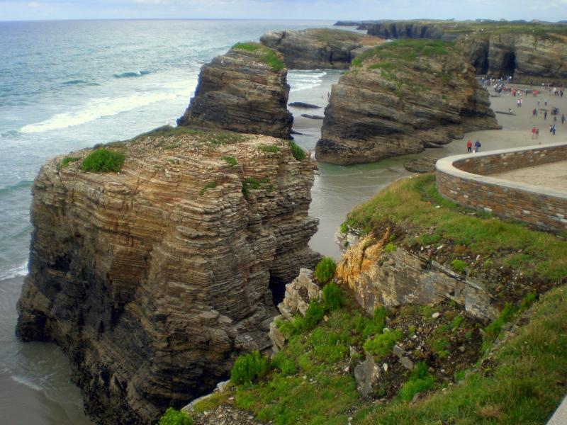 qué ver cerca de la Playa de las Catedrales paseo marítimo