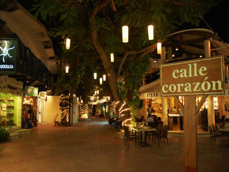 quinta avenida playa del carmen tiendas